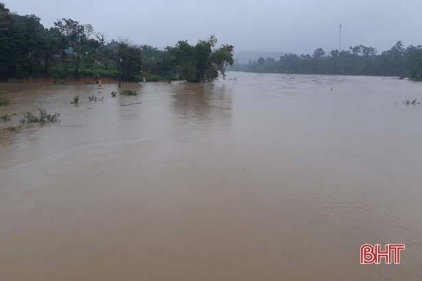 Tin nhanh về nước lũ trên các sông lớn ở Hà Tĩnh sáng nay