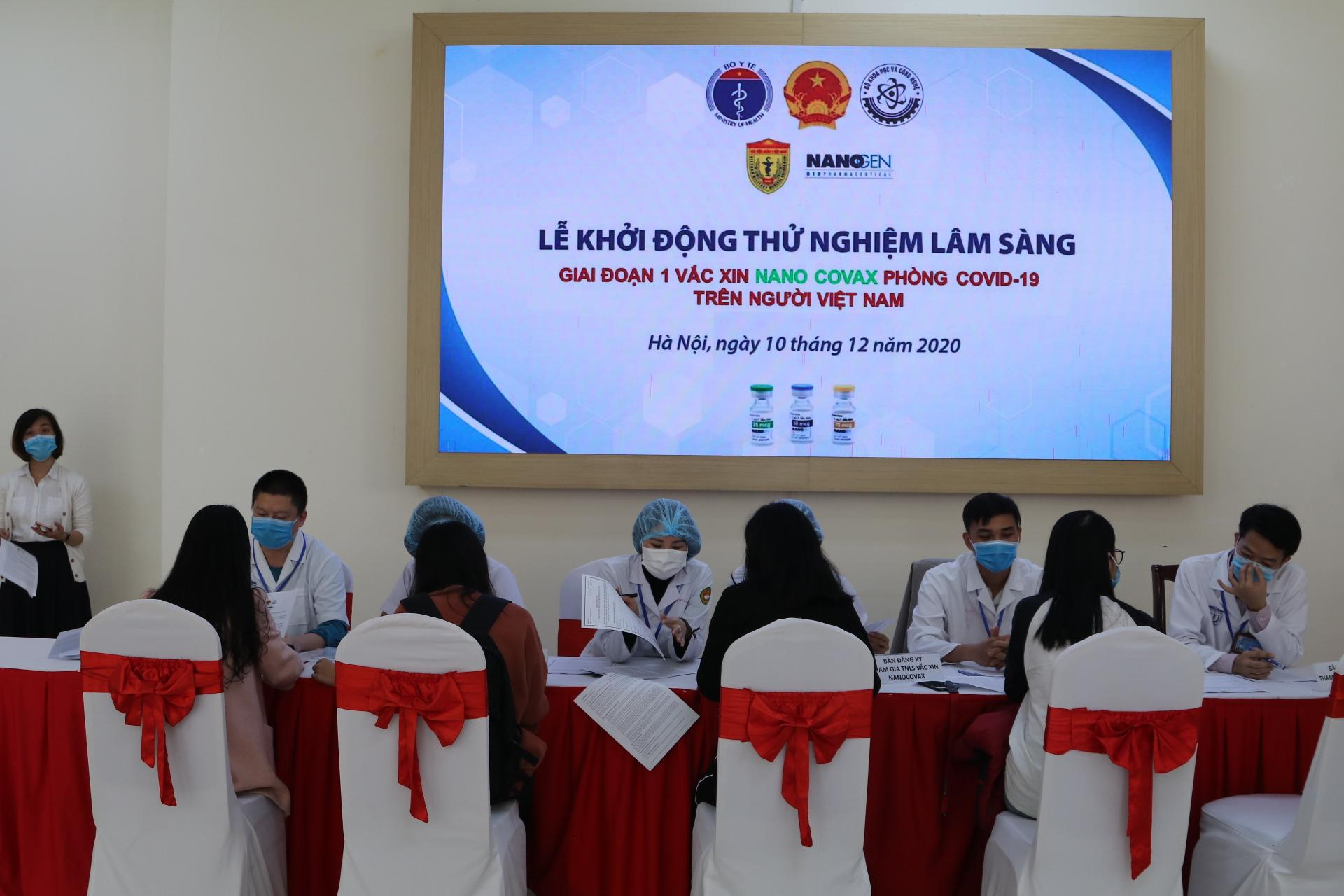 """Vắc xin Covid-19 """"made in"""" Việt Nam dự kiến giá khoảng 120.000 đồng/liều"""