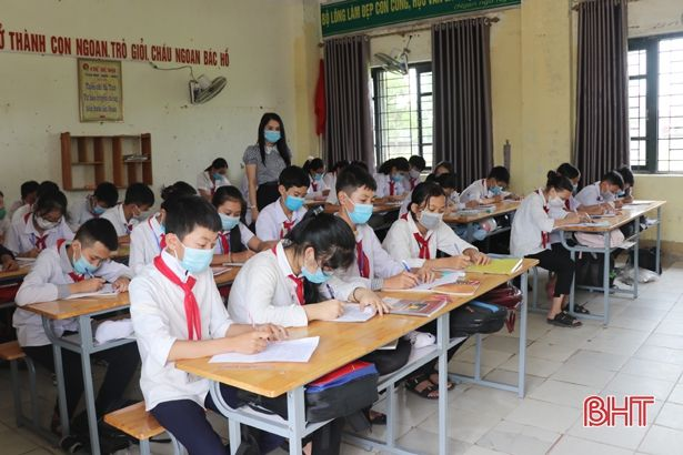 Học sinh Hà Tĩnh kết thúc thi học kỳ II trước ngày 8/5, 14 trường tạm nghỉ học vào ngày mai (6/5)