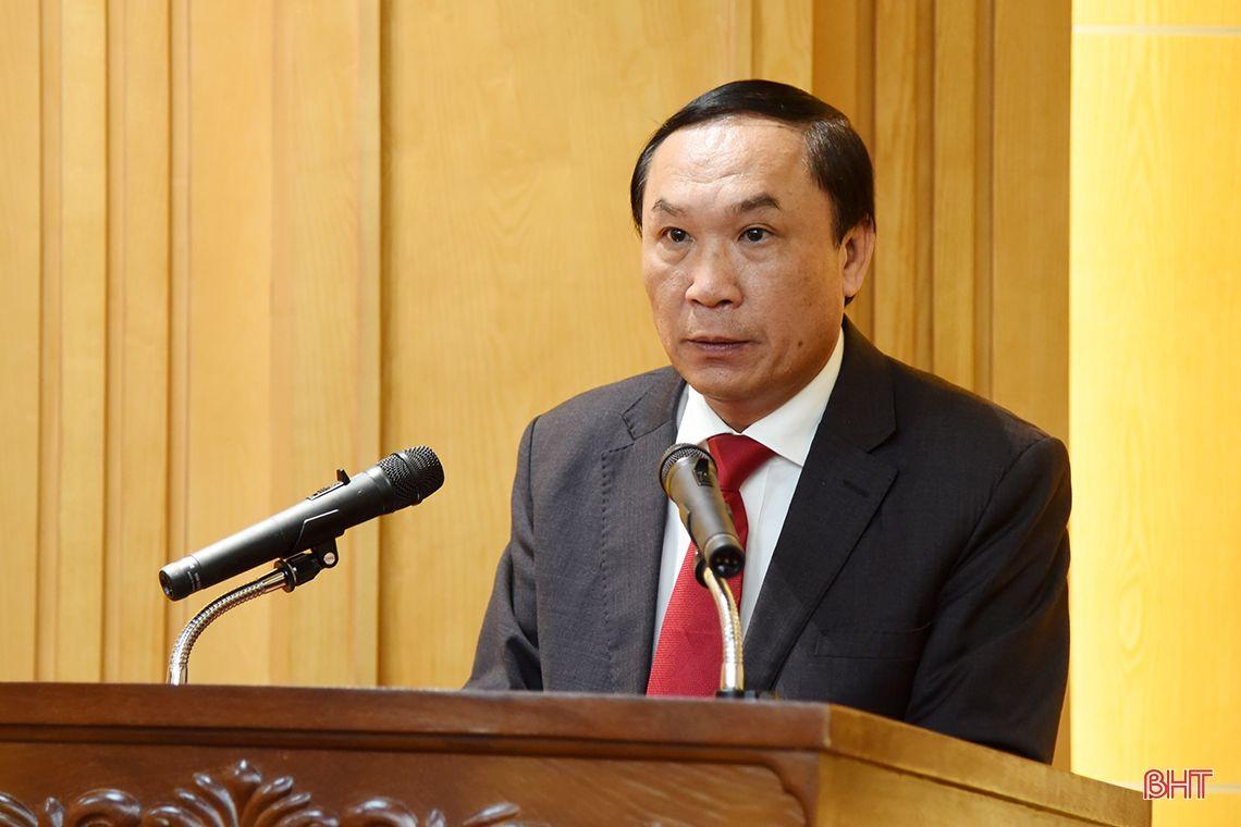 Hà Tĩnh công bố 5 quyết định của Ban Thường vụ Tỉnh ủy về công tác cán bộ