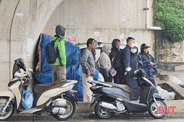 """Thời tiết chuyển lạnh, người dân Hà Tĩnh phải nghiêm túc thực hiện """"thông điệp 5K"""""""