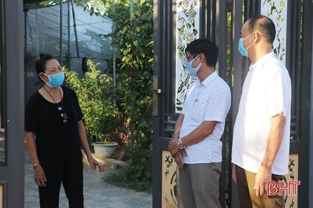 """Mỗi xóm làng, tổ dân phố ở Hà Tĩnh là một """"pháo đài"""" chống dịch"""